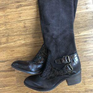 Donald Pliner Size 8 boots